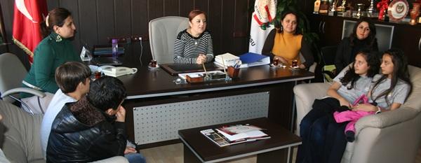 20 Kasım da Eğitim Gönüllüleri Derneği tarafından baromuza Dünya Çocuk Hakları Günü nedeniyle bir ziyaret yapıldı.