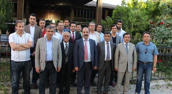 3-4 Mayıs 2014 Tarihinde Şırnak Barosu Ev Sahipliğinde Düzenlenen, Bölge Baroları Toplantısına Baro Başkanımız Av.Ali ARTUK katılmıştır.
