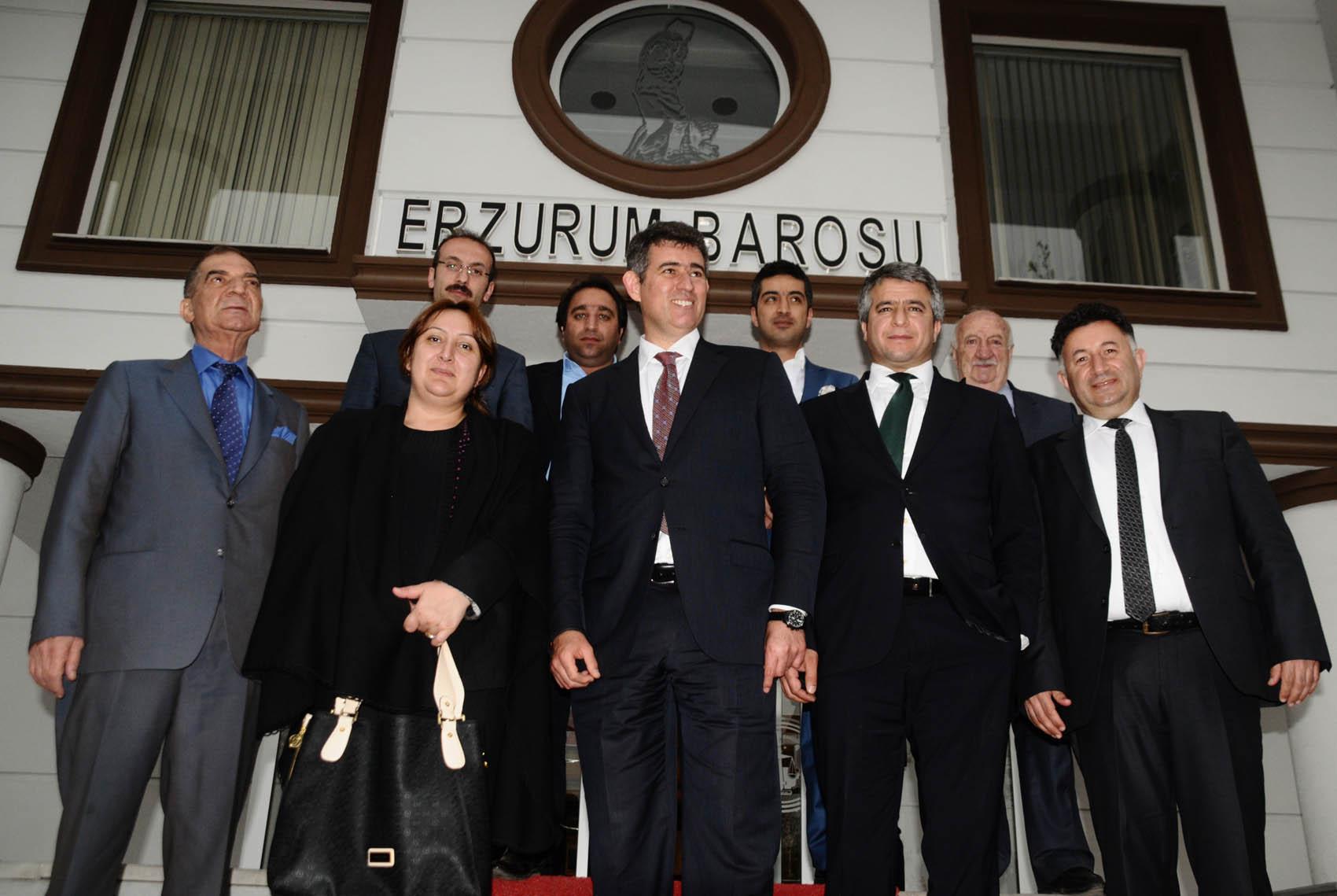 Türkiye Barolar Birliği Başkanı Av. Prof. Dr. Metin Feyzioğlu Erzurum'da bir dizi ziyaret gerçekleştirdi.