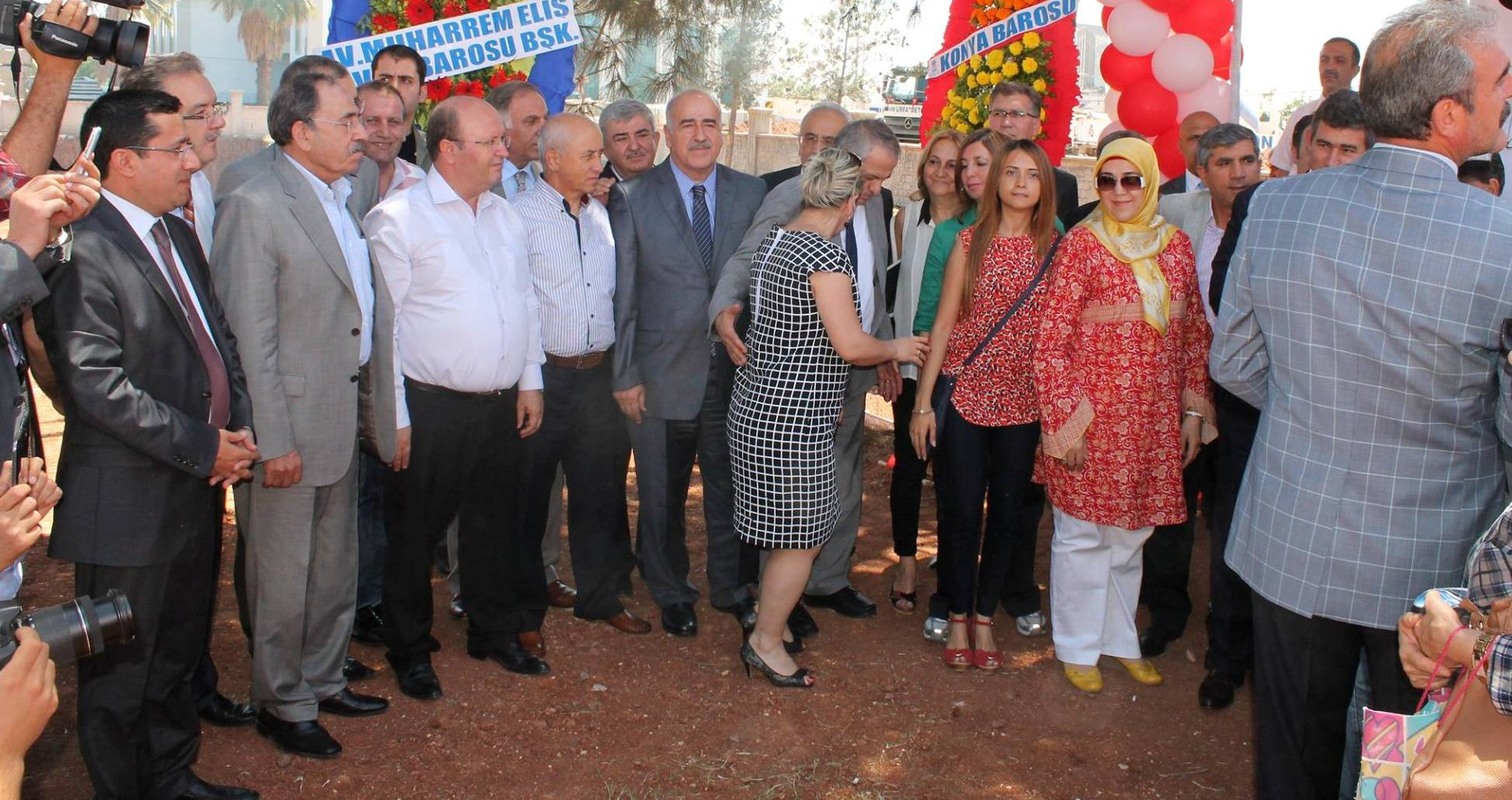 14-15 Haziran 2014 tarihlerinde Şanlıurfa Barosu Sosyal tesislerini temel atma törenleri yapıldı,