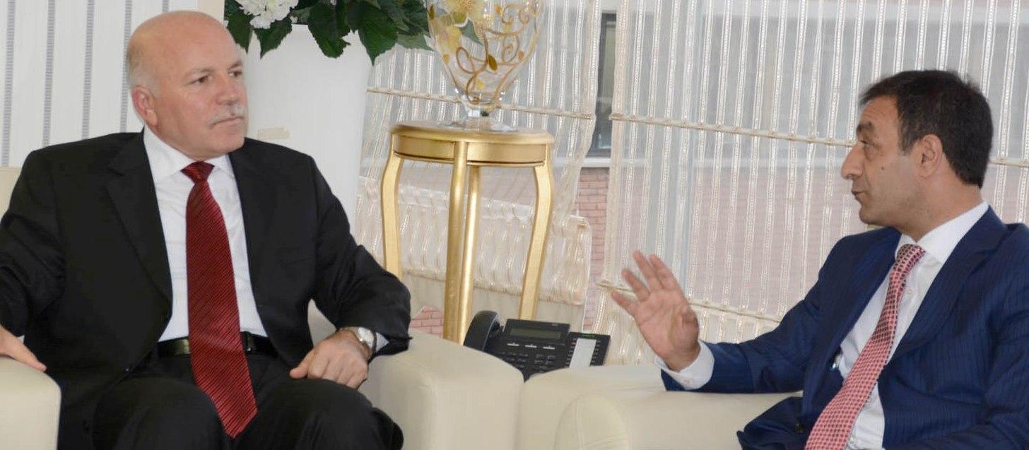 VALİ DR. ALTIPARMAK İLE BBB MEHMET SEKMEN'İ MAKAMINDA ZİYARET