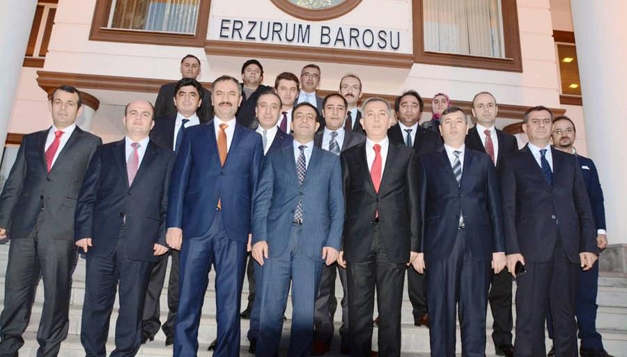 YARGININ ZİRVESİ ERZURUM BAROSU'NDA BİR ARAYA GELDİ