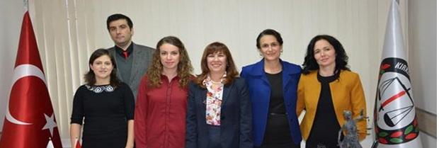 """04 Aralık 2014 tarihinde Baromuz Kadın Hakları Komisyonu Başkanı Avukat Nilgün ÜLGEN """" Kadınlara Seçme  ve Seçilme Hakkı Verilmesinin 80. Yıl Dönümü """" nedeniyle bir basın açıklaması yapmıştır."""