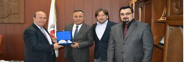 Baro Başkanı Avukat Harun SAYGILI 15 Aralık 2014 tarihinde Lüleburgaz Cumhuriyet Başsavcısı Sayın Zafer ASKER'i makamında ziyaret etmiştir.