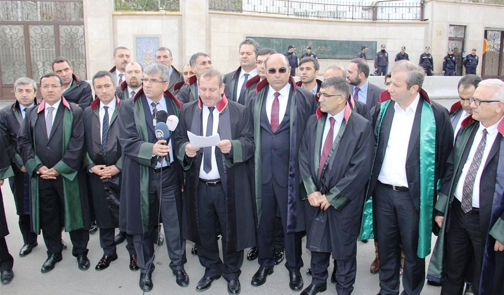 Barolar Ankara'da İran'daki İdamları protesto etti.