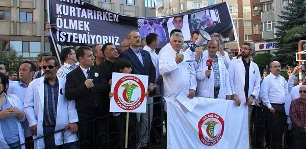 Op. Dr. Kamil Furtun için düzenlenen yürüyüş