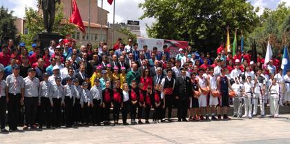 19 Mayıs Atatürk'ü Anma, Gençlik ve Spor Bayramı Kutlama Etkinliklerine Yönetim Kurulu Üyesi Av. Ebru AKOĞUL Katıldı.