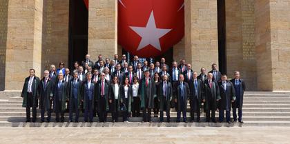 TBB Başkanı ve Baro Başkanları Hain  Darbe  Girişimine Karşı  Dayanışma Kararlılığını Göstermek İçin  Anıtkabir'i  Ziyaret Etti
